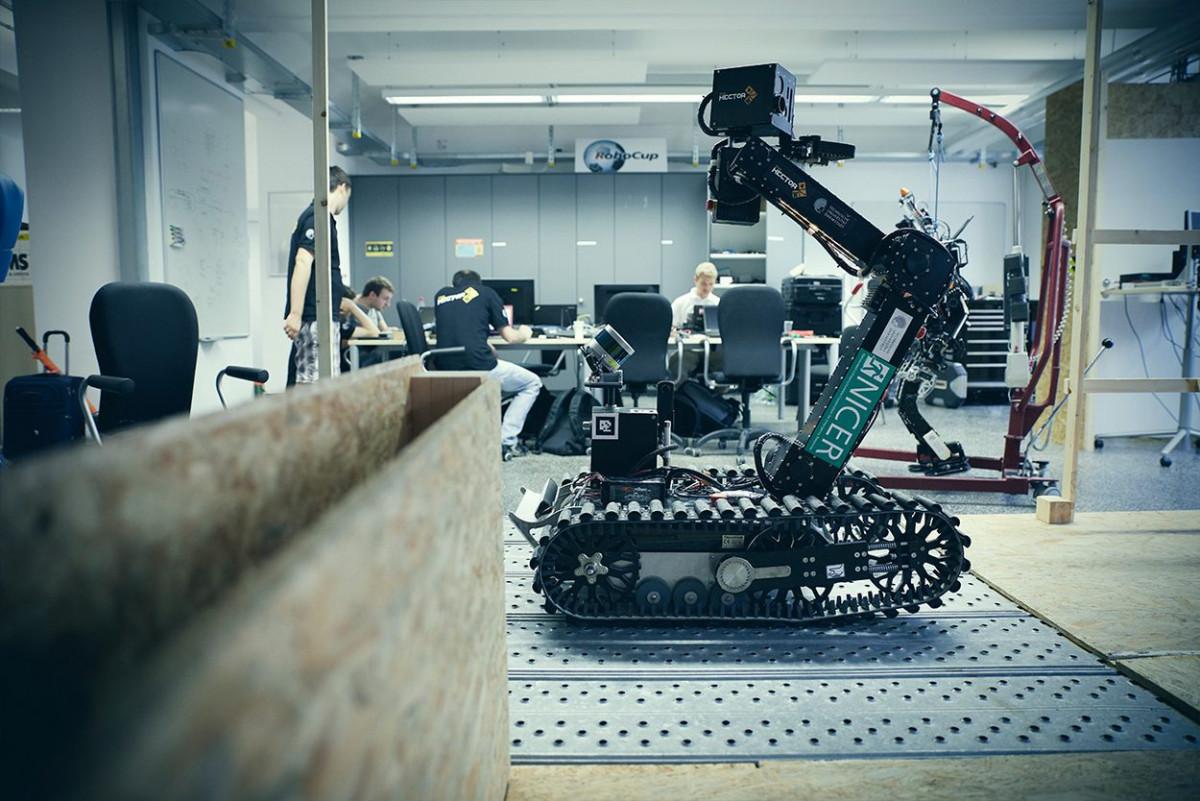 robotik_tu_darmstadt_12.jpg-s1250