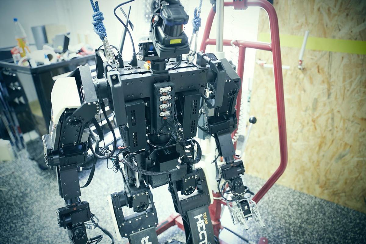 robotik_tu_darmstadt_2.jpg-s1250
