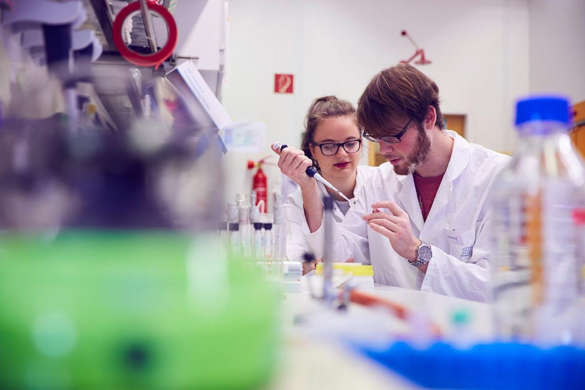 molekulare_mikrobiologie_frankfurt_4.jpg-s1250