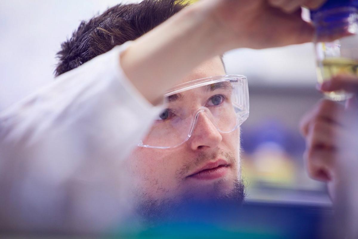 molekulare_mikrobiologie_frankfurt_1.jpg-s1250
